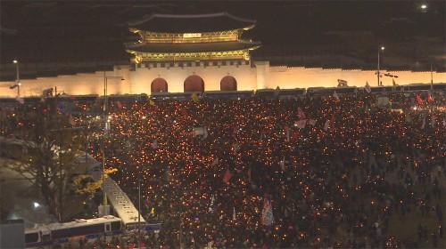"""박 대통령의 '버티기'… 또 100만 촛불, """"하야하라"""""""