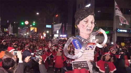 '하야 크리스마스'… 축제 같은 성탄 전야 촛불집회