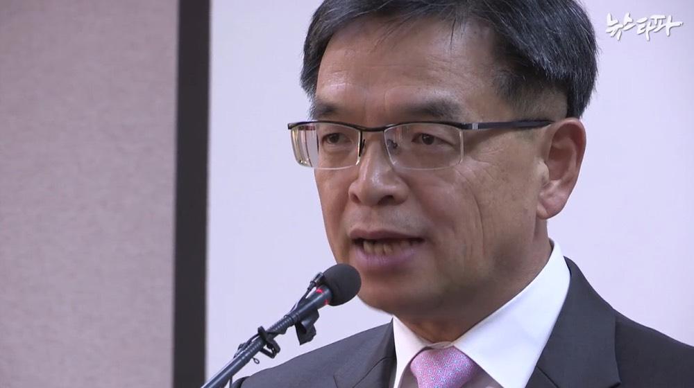박근혜 측, 증인 무더기 신청...검찰기록 증거채택도 거부할 듯