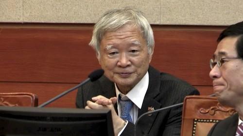 """박근혜 측, """"촛불과 언론은 '종북', 검찰과 특검은 '친노'"""""""