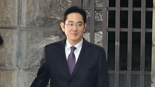 """깨지지 않은 '법 위의 삼성' 신화…특검 """"흔들림없이 수사"""""""