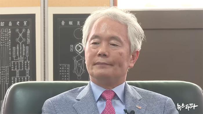 ▲ 17년 째 총장(5선)을 하고 있는 부구욱 영산대학교 총장