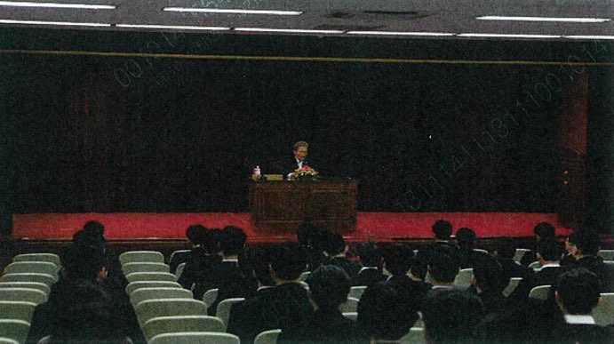 ▲2012년 7월 당시 김관진 국방장관의 신임 군무원 교육 모습.(출처:이철희 의원실)