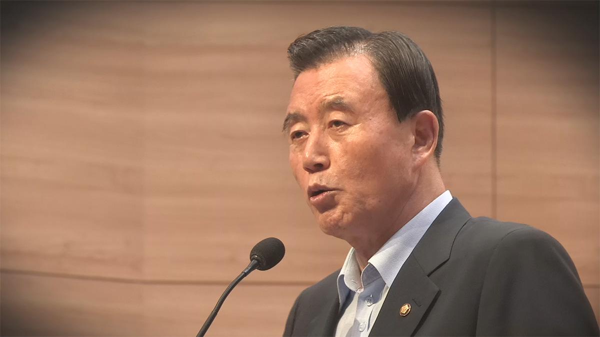 [국회개혁] 홍문표 정책자료집은 피감기관 연구보고서 '판박이'