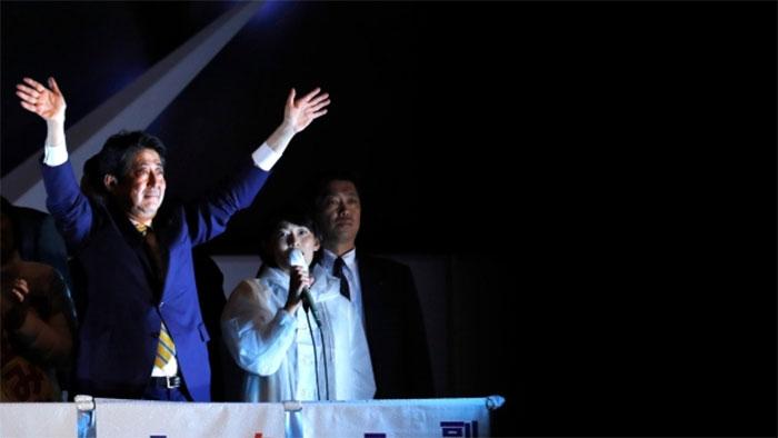 ▲ 일본 조기총선에서 압승을 거둔 자민당 아베 총리(출처 : AP통신)